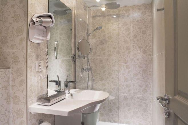 Hostellerie du Marais - Bathroom