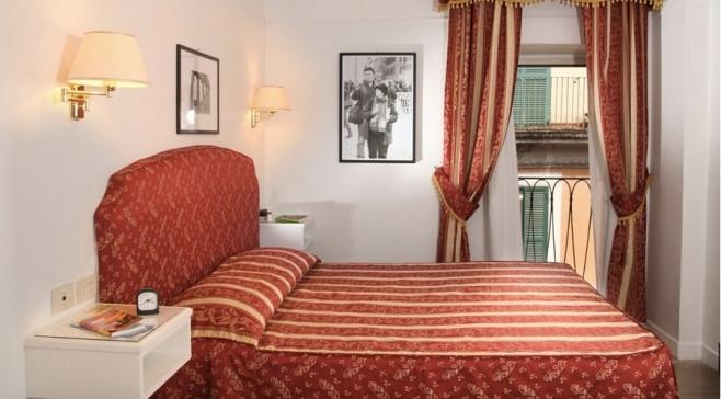 Rome - Bedroom