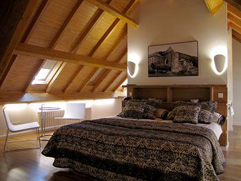 Hotel Roncesvalles - Room